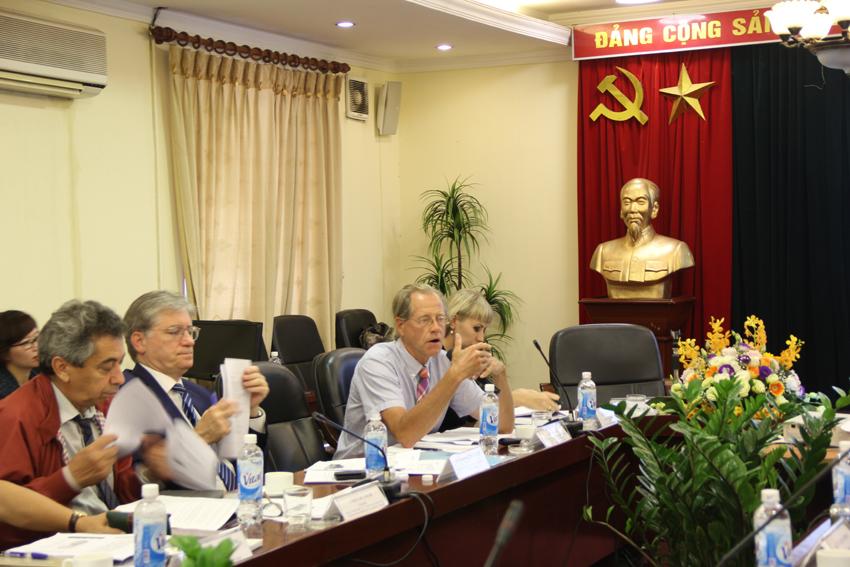 TS. Jay Wysocki, Cố vấn Khoa học, Sáng Kiến Việt Nam, ĐHTH Indiana, Hoa Kỳ trình bày tham luận