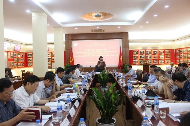 PGS.TS. Nguyễn Thị Hồng Hải, Trưởng khoa Khoa học hành chính và Tổ chức nhân sự chủ trì Hội thảo