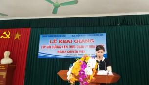 Đồng chí Lê Phương Thúy - Phó Trưởng ban, Ban Quản lý bồi dưỡng phát biểu tại buổi lễ ảnh
