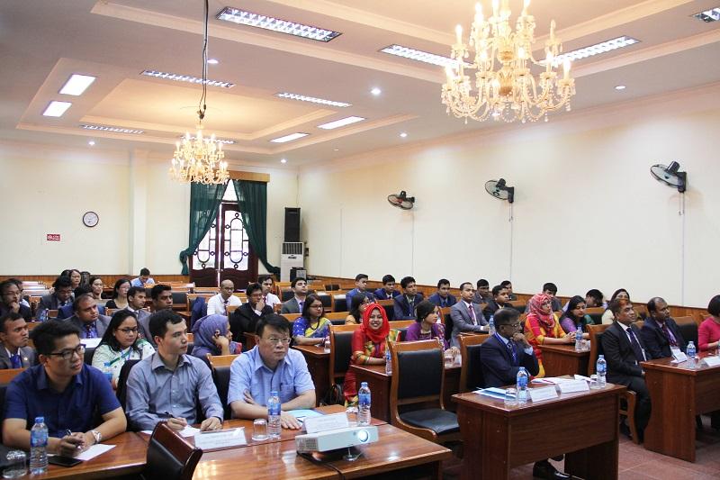 Các học viên tham dự Khóa bồi dưỡng