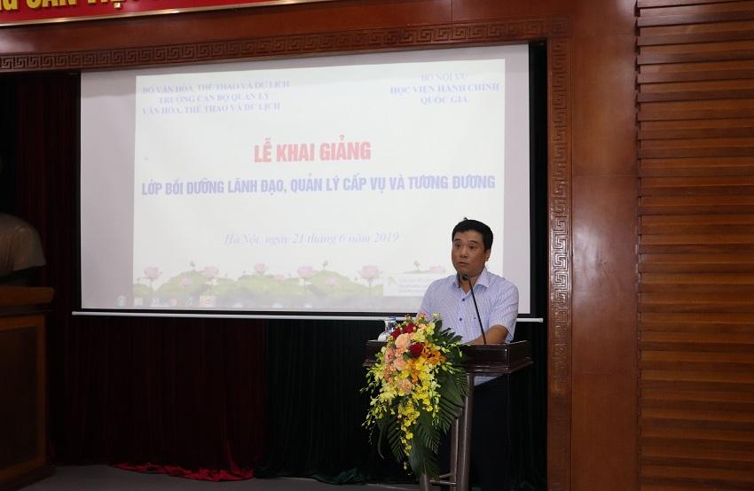 Ông Nguyễn Thái Bình -  Chánh Văn phòng Bộ Văn hóa,Thể thao và Du lịch, đại diện học viên phát biểu