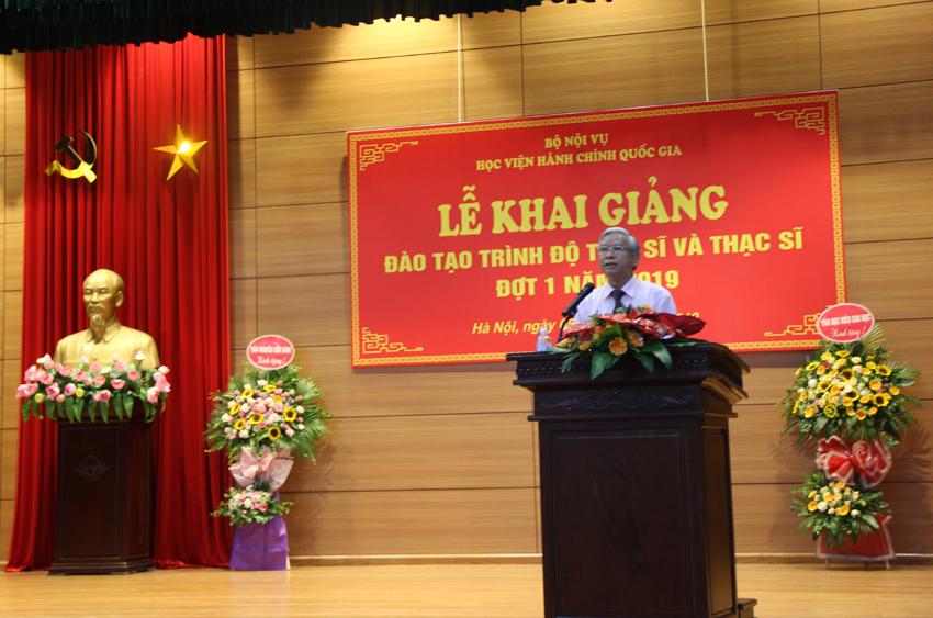 NGƯT.TS. Vũ Thanh Xuân – Phó Giám đốc Học viện phát biểu khai giảng