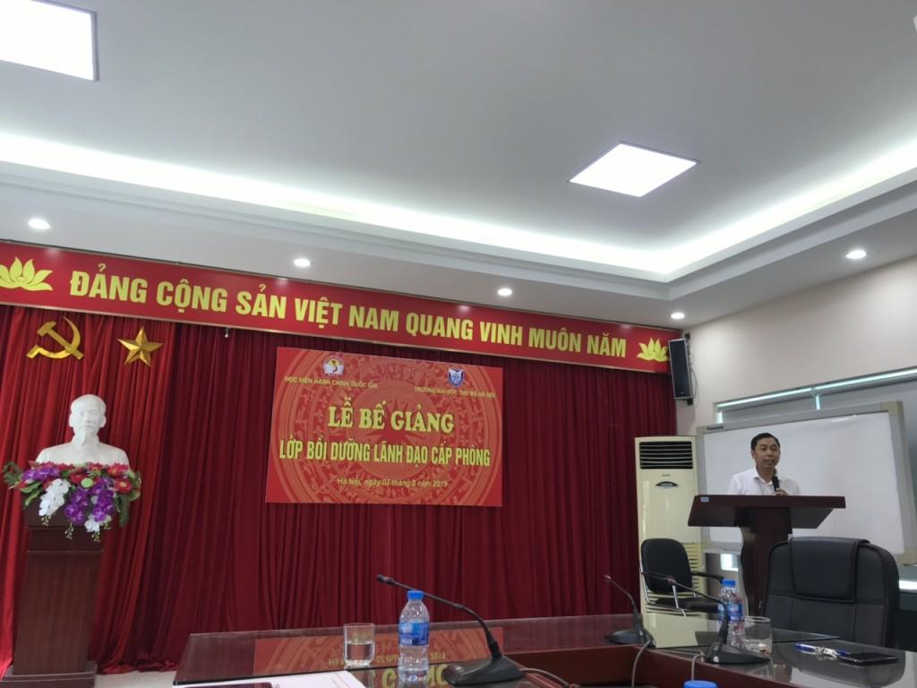 TS. Đỗ Hồng Cường - Phó Hiệu trưởng trường Đại học Thủ đô Hà Nội phát biểu tại buổi lễ