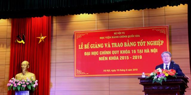 TS. Đặng Xuân Hoan - Giám đốc Học viện phát biểu tại buổi lễ
