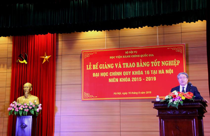 TS. Đặng Xuân Hoan - Giám đốc Học viện phát biểu tại lễ bế giảng