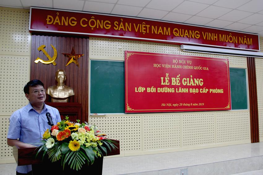 TS. Bùi Huy Tùng – Chánh Văn phòng Học viện, phụ trách Ban quản lý bồi dưỡng phát biểu tại Lễ bế giảng