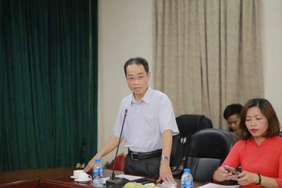 Đồng chí Nguyễn Minh Tuấn, đảng ủy viên, Chánh văn phòng Đảng ủy Học viện phát biểu