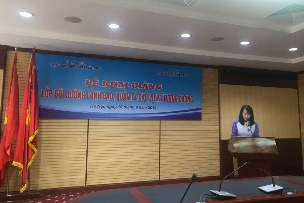 ThS. Nguyễn Thị Tâm công bố các quyết định liên quan công tác tổ chức lớp