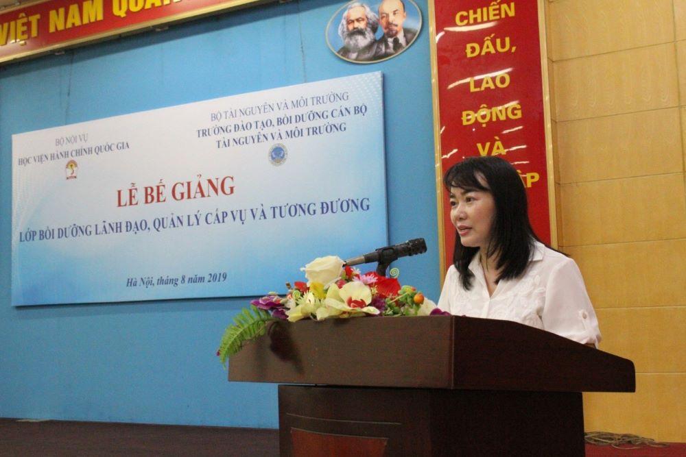 ThS. Nguyễn Thị Tâm – Phó Trưởng phòng, Ban Quản lý bồi dưỡng công bố các Quyết định cấp chứng chỉ,  Quyết định khen thưởng của Giám đốc Học viện