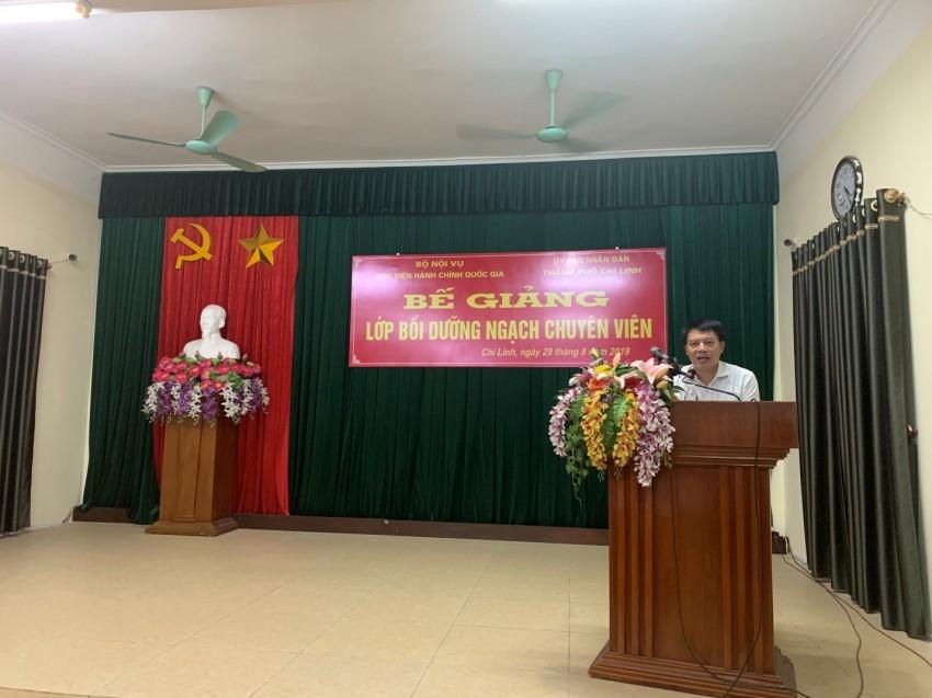 ThS. Tống Đăng Hưng -Phó Trưởng ban, Ban Quản lý bồi dưỡng  phát biểu tại buổi lễ