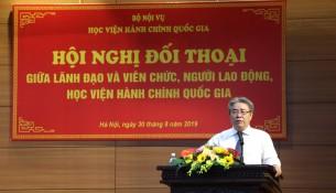 TS. Đặng Xuân Hoan – Bí thư Đảng ủy, Giám đốc Học viện phát biểu tại buổi đối thoại