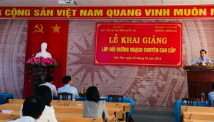 PGS.TS. Huỳnh Văn Thới, Phó Giám đốc Phân viện Học viện Hành chính Quốc gia tại Thành phố Hồ Chí Minh  phát biểu khai giảng khóa học
