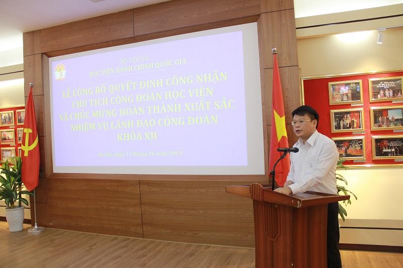 Đồng chí Bùi Huy Tùng phát biểu cảm ơn