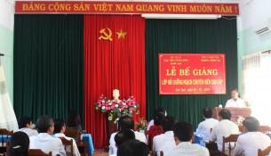 Đồng chí Huỳnh Tấn Phục - Trưởng ban Tổ chức Tỉnh ủy Kon Tum phát biểu tại buổi Lễ