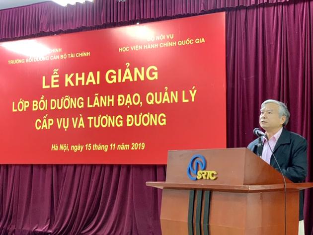 NGƯT.TS. Vũ Thanh Xuân - Phó Bí thư Đảng uỷ, Phó Giám đốc Học viện Hành chính Quốc gia phát biểu tại buổi lễ