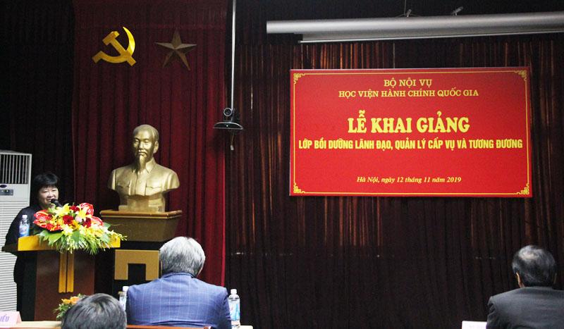 Đồng chí Phạm Thu Hằng, Phó Vụ trưởng Vụ Hợp tác quốc tế thay mặt các Học viên gửi lời cám ơn
