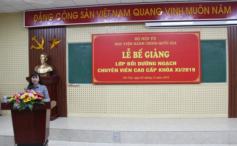 ThS. Lê Phương Thúy, Phó Trưởng Ban quản lý bồi dưỡng công bố các quyết định