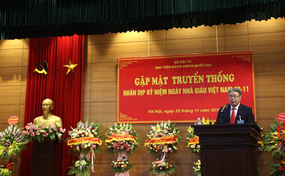 Giám đốc Học viện Đặng Xuân Hoan phát biểu tại buổi Gặp mặt truyền thống