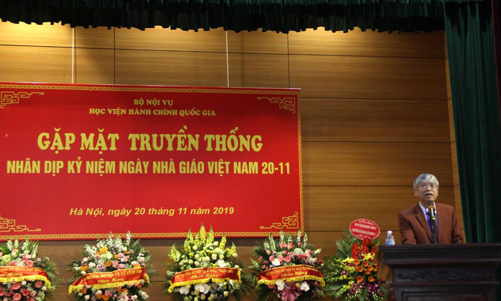 NGƯT.TS. Vũ Thanh Xuân – Phó giám đốc Học viện công bố Thư chúc mừng của Bộ trưởng Bộ Nội vụ nhân ngày Nhà giáo Việt Nam