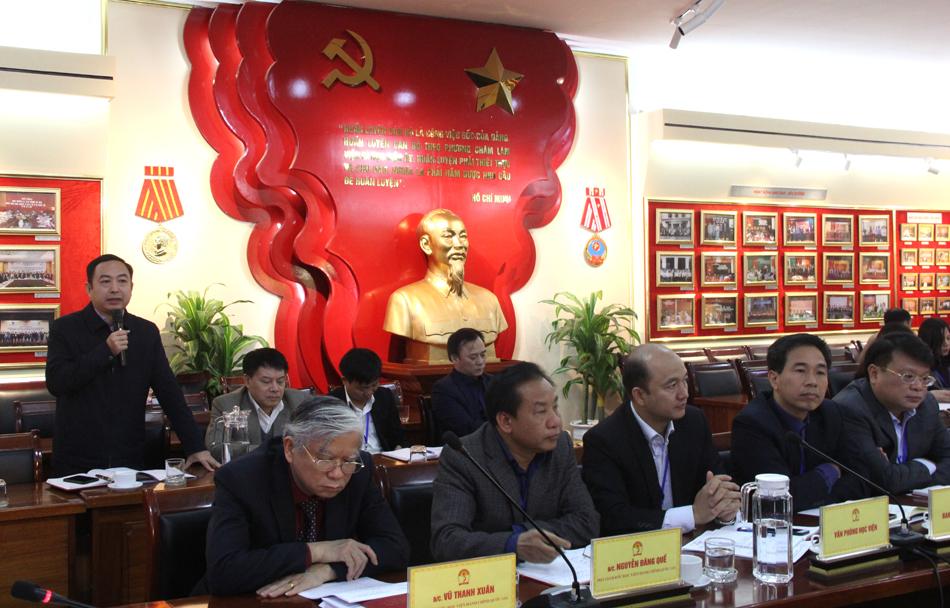 Các đại biểu phát biểu ý kiến tại buổi giao ban