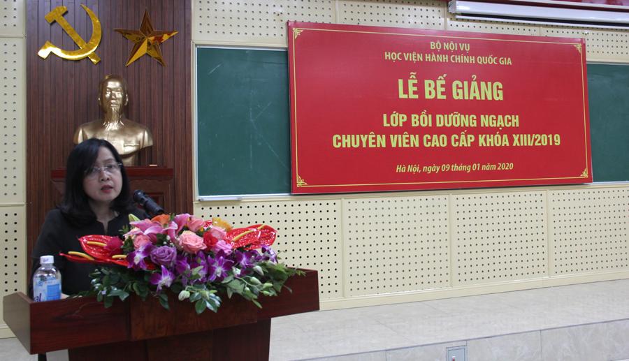 ThS. Vương Thanh Thủy, Trưởng phòng QLBD theo ngạch và vị trí việc làm, Ban Quản lý bồi dưỡng báo cáo tổng kết lớp học