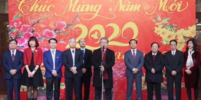 TS. Đặng Xuân Hoan chúc mừng năm mới tại buổi gặp mặt