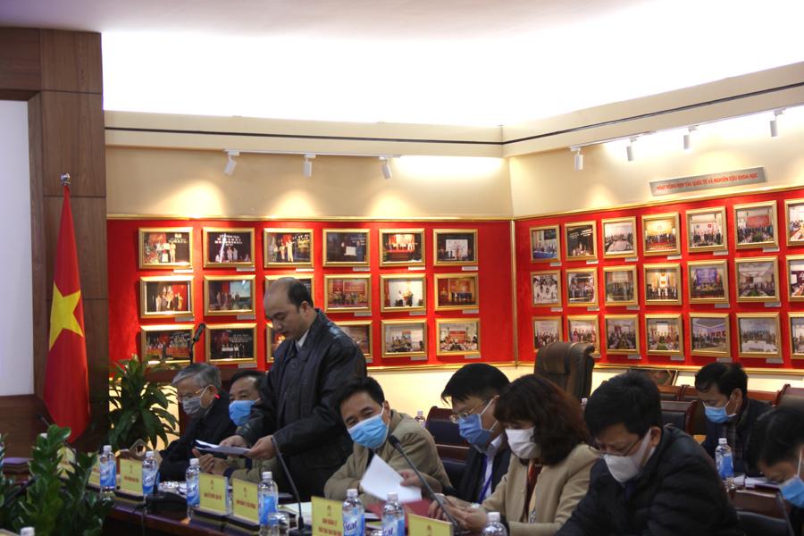 ThS. Nguyễn Huy Hoàng – Phó Chánh Văn phòng Học viện trình bày dự thảo báo cáo kết quả công tác tháng 1 và các nhiệm vụ trọng tâm trong tháng 2 năm 2020