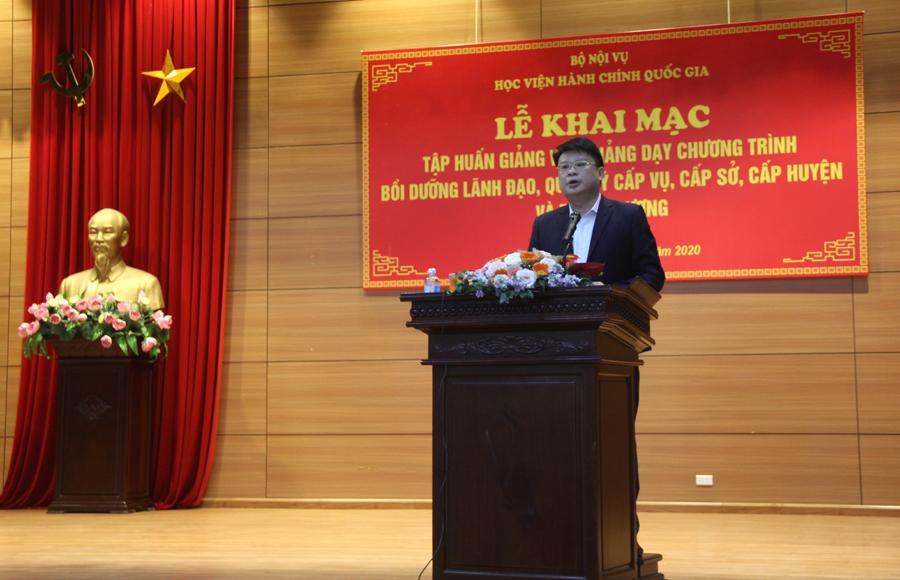 TS. Bùi Huy Tùng - Trưởng Ban quản lý bồi dưỡng của Học viện công bố các Quyết định về việc tổ chức lớp và cử chủ nhiệm lớp