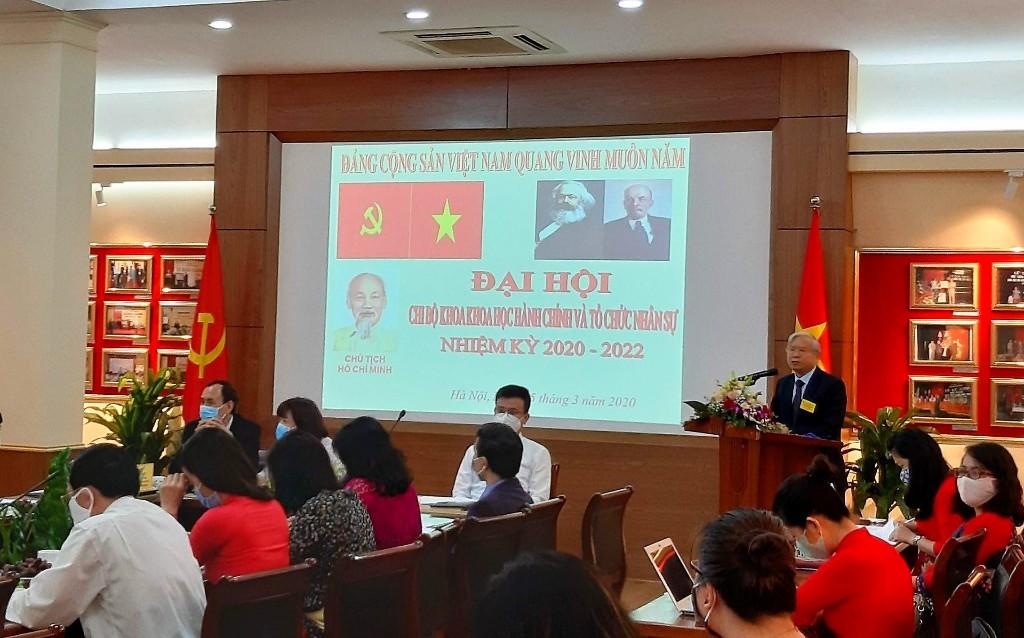 NGƯT.PGS.TS.Vũ Thanh Xuân phát biểu tại Đại hội