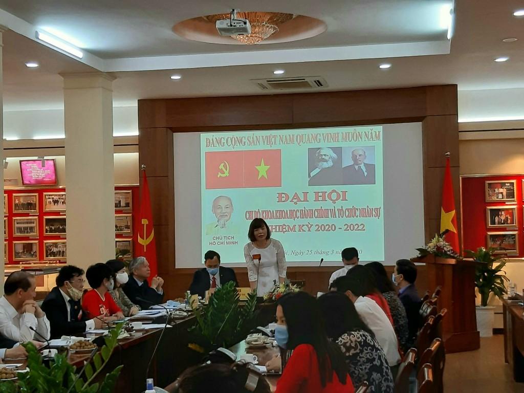 PGS.TS Nguyễn Thị Hồng Hải điều hành Đại hội
