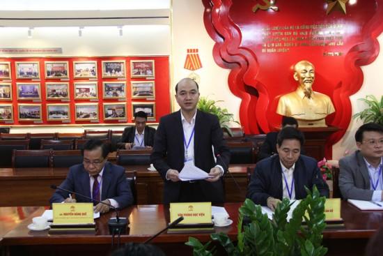 ThS. Nguyễn Huy Hoàng, Phó Chánh Văn phòng báo cáo kết quả công tác tháng 02 và dự thảo các nhiệm vụ trọng tâm trong tháng 3 năm 2020