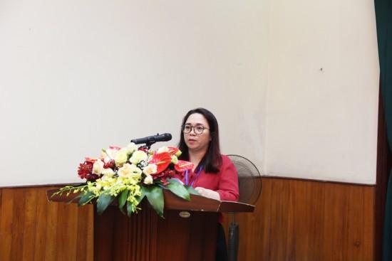 Đ/c Huyền - Đảng viên Chi bộ phát biểu tại Đại hội