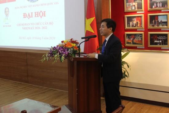 Đ/c Nguyễn Tiến Hiệp - Bí thư Chi bộ trình bày Báo cáo chính trị tổng kết nhiệm kỳ 2017 - 2020, phương hướng, nhiệm vụ nhiệm kỳ 2020 - 2022