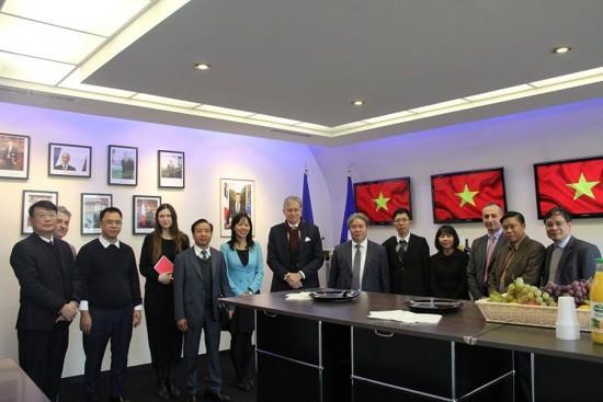 Đoàn  Học viện nghiên cứu kinh nghiệm đào tạo, bồi dưỡng cán bộ, công chức tại  Trung tâm đào tạo cấp cao Bộ Nội vụ (CHEMI),Cộng hòa Pháp, năm 2018