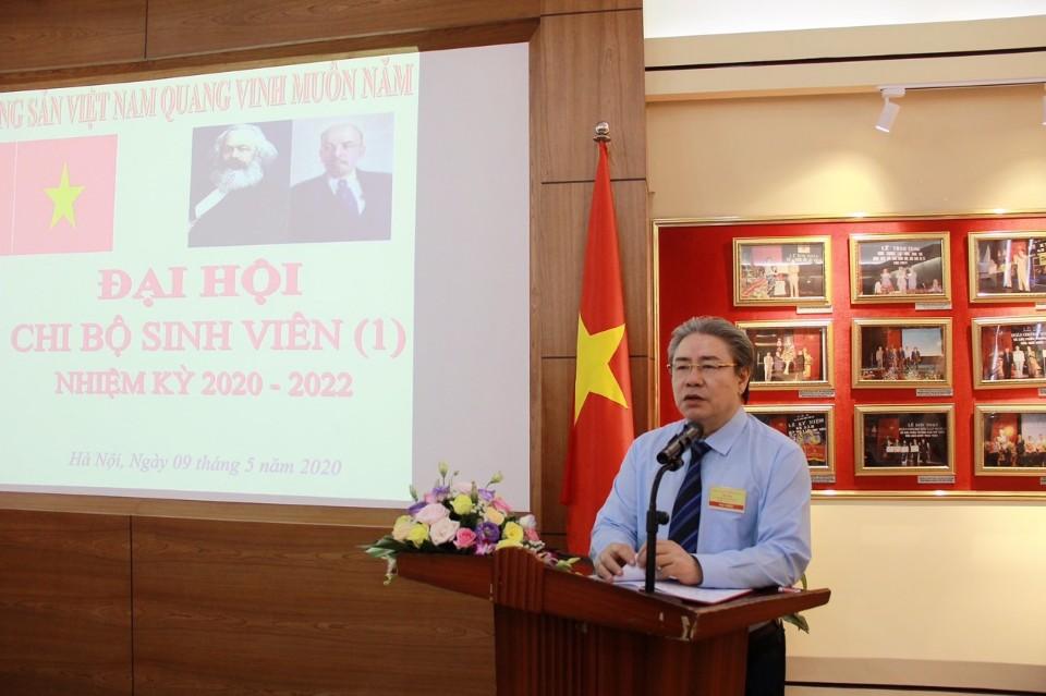 Đồng chí Đặng Xuân Hoan – Bí thư Đảng uỷ, Giám đốc Học viện phát biểu chỉ đại Đại hội