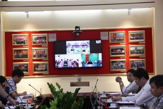 Hình ảnh các điểm cầu tham gia buổi họp trực tuyến.