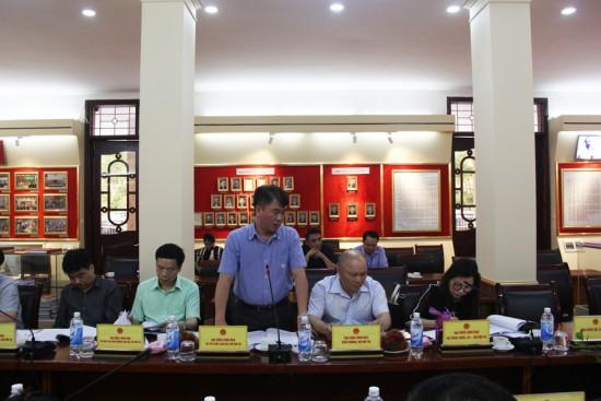 Đồng chí Phạm Hùng Thắng, Phó Vụ trưởng Vụ Tổ chức cán bộ, Bộ Nội vụ phát biểu góp ý dự thảo Đề án.
