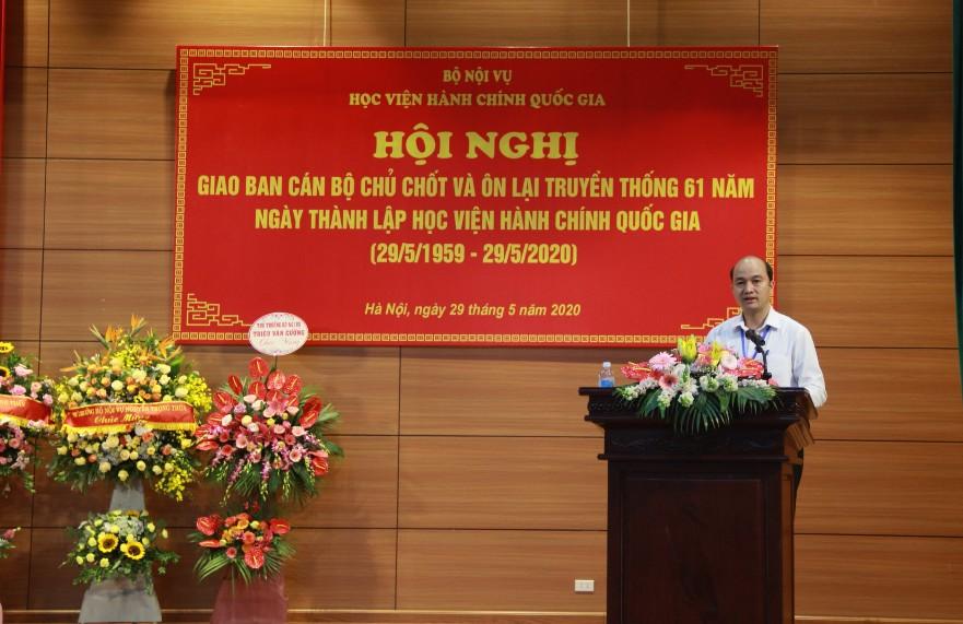 ThS. Nguyễn Huy Hoàng, Phó Chánh Văn phòng Học viện trình bày báo cáo