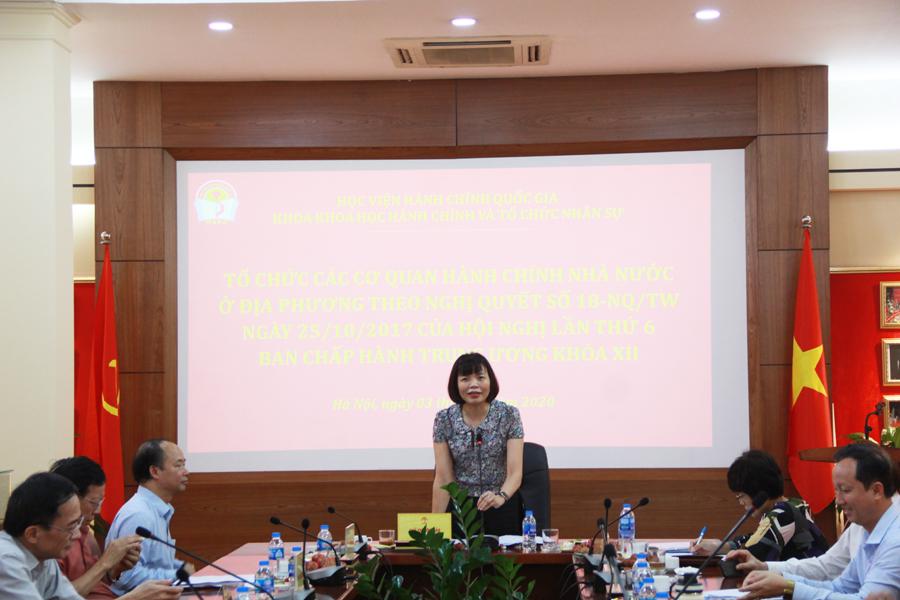 PGS.TS. Nguyễn Thị Hồng Hải - Trưởng khoa Khoa học Hành chính và Tổ chức nhân sự phát biểu đề dẫn tại Tọa đàm