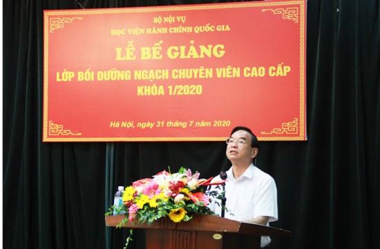 NGƯT. TS. Vũ Thanh Xuân, Phó Giám đốc Học viện phát biểu bế giảng khóa học