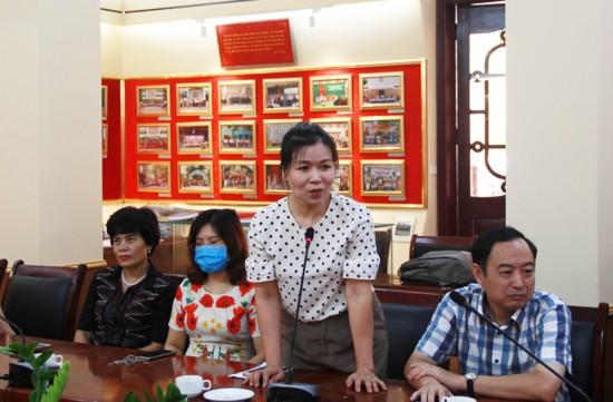 Đ/c Đặng Thị Bích Thủy, Phó Chánh văn phòng Học viện phát biểu tại buổi lễ