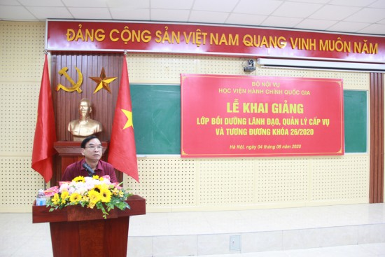 NGƯT. TS. Vũ Thanh Xuân, Phó Giám đốc Học viện phát biểu khai giảng lớp