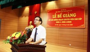 NGƯT. TS. Vũ Thanh Xuân phát biểu tại Lễ bế giảng