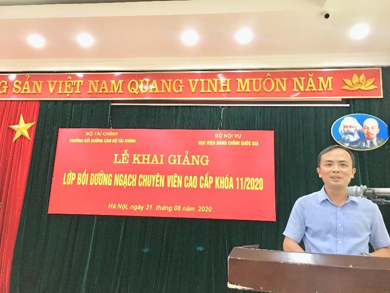 Đồng chí Phạm Thu Phong, Tổng Biên tập Thời báo Tài chính Việt Nam, đại diện học viên phát biểu