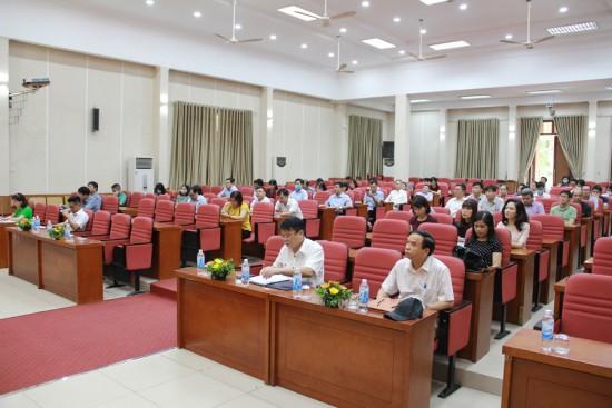 Các đại biểu và học viên tham dự Lễ khai giảng khóa  học