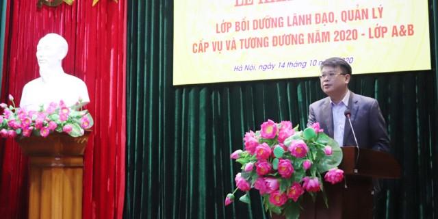 1. TS. Bùi Huy Tùng - Trưởng Ban quản lý Bồi dưỡng, Học viện Hành chính Quốc gia phát biểu khai giảng lớp học