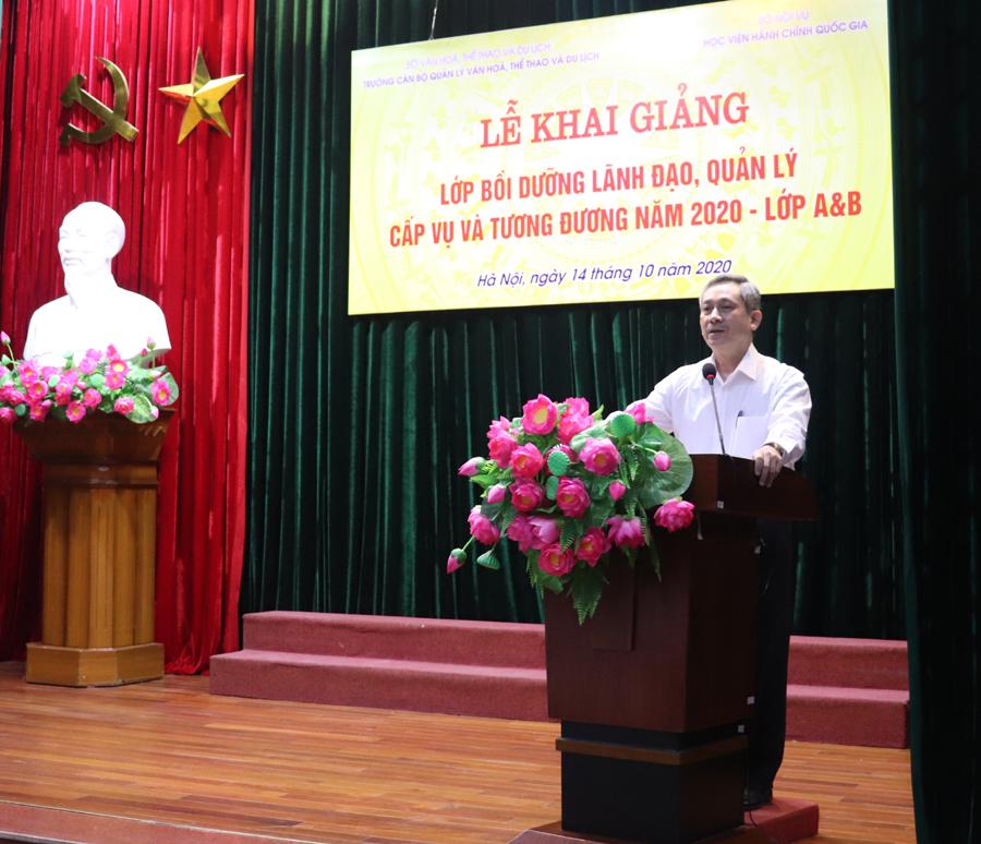 2. TS. Nguyễn Quang Hùng - Hiệu trưởng Trường Cán bộ quản lý VHTTDL phát biểu