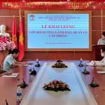 Lễ khai giảng Lớp Bồi dưỡng lãnh đạo, quản lý cấp phòng phối hợp với Sở Giáo dục và Đào tạo tỉnh Đắk Lắk mở tại Phân viện Học viện Hành chính Quốc gia khu vực Tây Nguyên