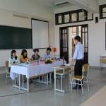 Tổ chức xét duyệt tên đề tài luận văn lớp cao học Quản lý công HC19.T3, HC19.T4 và lớp cao học Tài chính - ngân hàng TC06.T8
